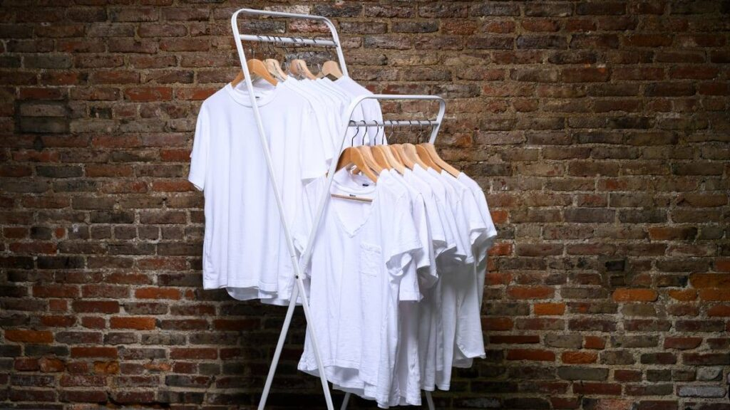 Reasons Why Businesses Sell Wholesale Blank T-Shirts