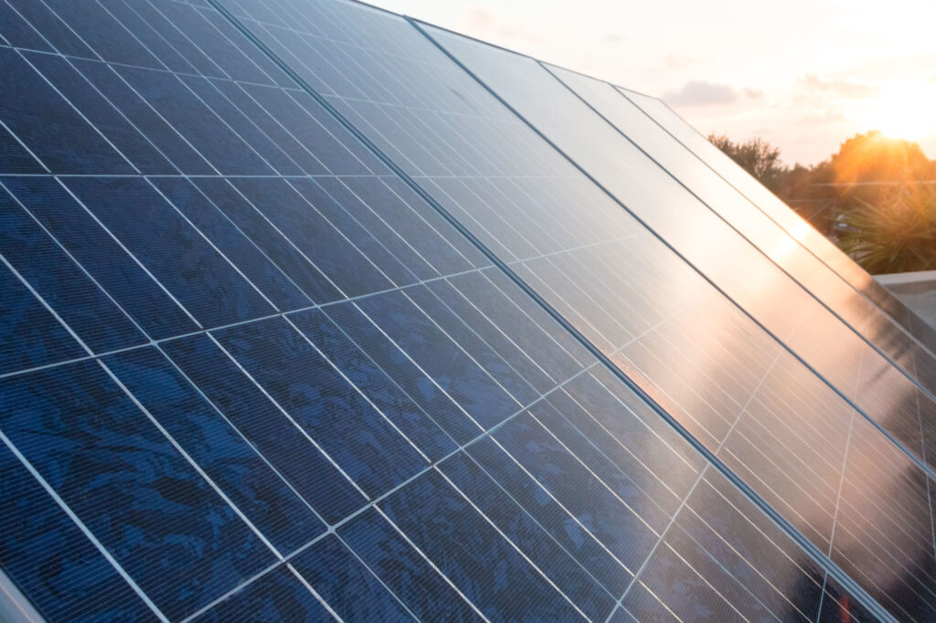 How to Calculate Solar Panel Cost Into Your Budget
